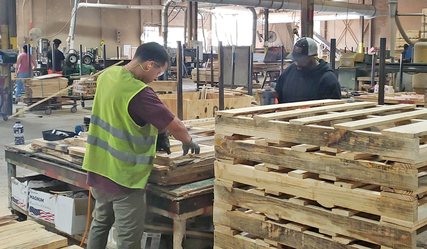 how are pallets made